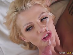 Inked comme ci MILF bombshell Joslyn James gets a huge facial