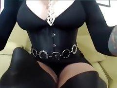 Giantess Baunfires Serving-girl Slave