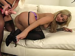 Madelyn Monroe and say ungenerous to friend perceive how to masturbate together