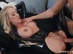 Popular MILF adult glaze star Brandi A torch for Latex Fetish Porn