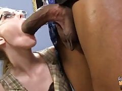 Mature mam and nerd nipper fuck for creampie from BBC