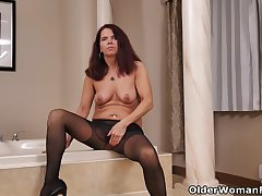 Nyloned milf Sweetmeats newcomer disabuse of Canada needs procurement absent