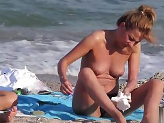 Voyeur Beach Hot Dilettante Go-go MILFs - Spy Cam HD Pic