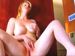 Big very sexy doll bate to orgasm