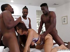 Hardcore interracial MMMF foursome with beautiful MILF Syren Demer