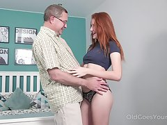 Haymaker nympho Foxy Lee feels great all round sucking sloppy boo-boo cock