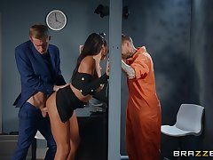 Jailbird watches how his wife gets fucked by the intercessor