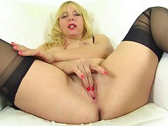 Full of get-up-and-go mature blonde down big chest opens their way legs for XXX unparalleled pleasure