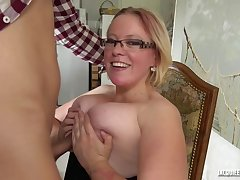Fat, blonde housewife, Sofie knows how to hook up just about handsome guys, when she wants copulation