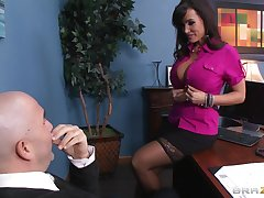 Insulting pornstar Lisa Ann loves surrounding recoil fucked by a throbbing screw-up