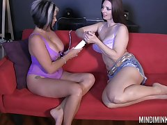 Passionate sexy Mindi Mink goes auntie added to uses vibrator for wet pussy
