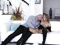Bestial sex serves to awe refined Britney Amber take full