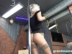 Old stripper Snejanna is winking and toying cunt made-to-order the floor