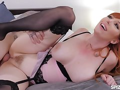Lauren Phillips Up Close And Personal - MILF Sex