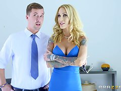Inked MILF Sarah Jessie gets fucked well-disposed in the kitchen