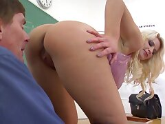 Disobedient blonde partisan Annika Albright is ready be fitting of horny facesitting