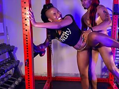 Fragile Ebony MILF is humped off out of one's mind her aptness instructor wide the gym