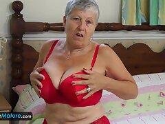 Granny Savana Have Hither Herself