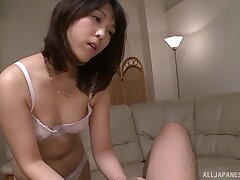 Closeup video of Japanese hottie Nijikawa Sora pleasuring a dig up